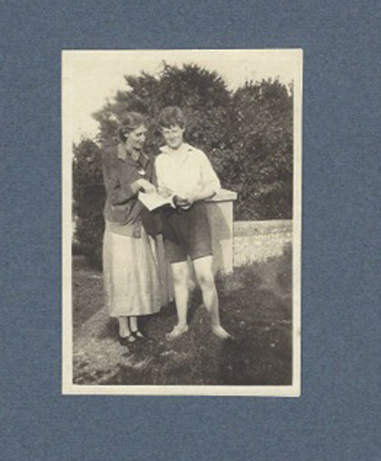 Virginia Woolf with her nephew Quentin Bell