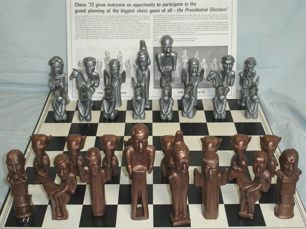 The Contemporary Game (Chess Set)