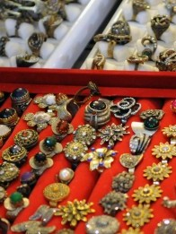 Turkish_jewelry_display.JPG