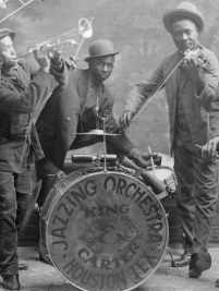 Jazzing_orchestra_1921.png